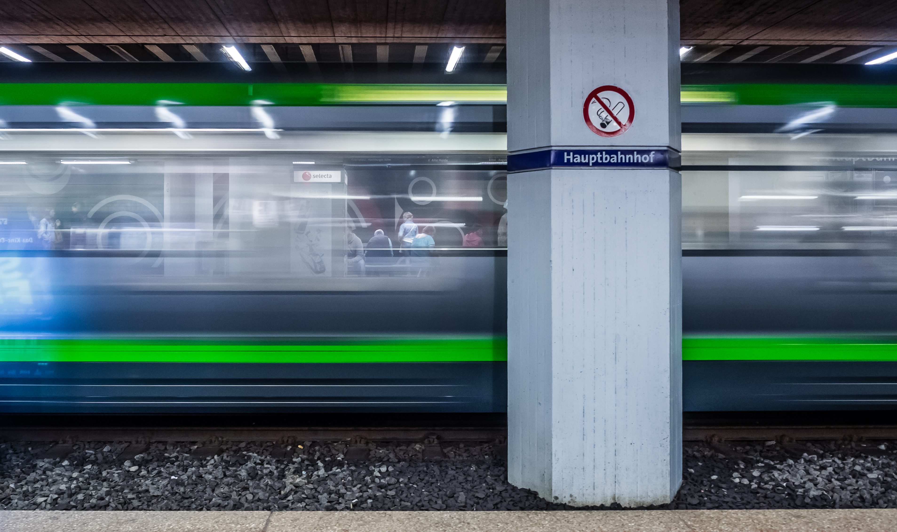 Durchblick am Hauptbahnhof